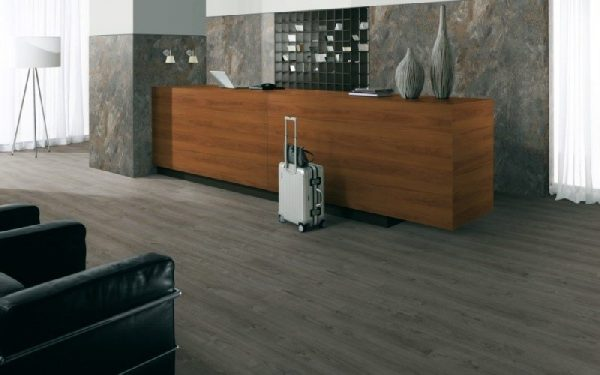 Parchet EGGER PRO Design Stejar Herriard Gri EPD024-4