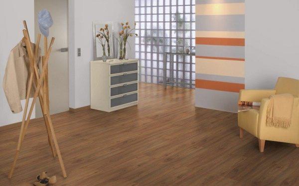 Parchet EGGER PRO Design Nuc Maro EPD012-4