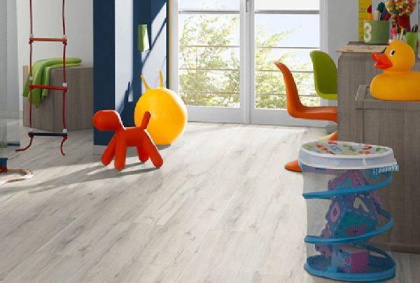 Parchet EGGER PRO Design Stejar Rustic Alb EPD013-2