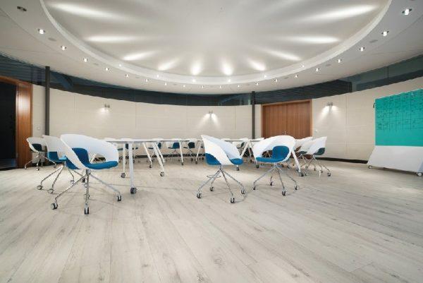 Parchet EGGER PRO Design Stejar Rustic Alb EPD013-4