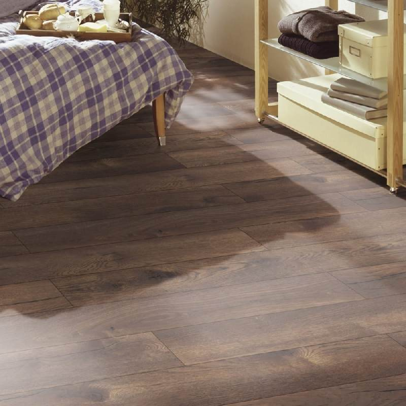 Parchet Laminat Kronotex Exquisit Plus Pattersson Oak Dark D 4766