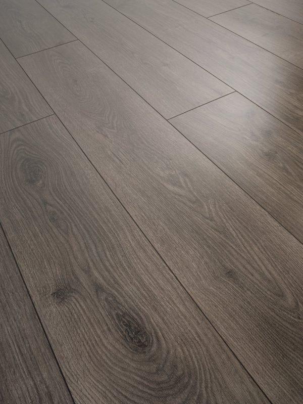 Parchet laminat lucios Swiss Krono Noblesse Brilliant D 4933 Natural Oak Coal