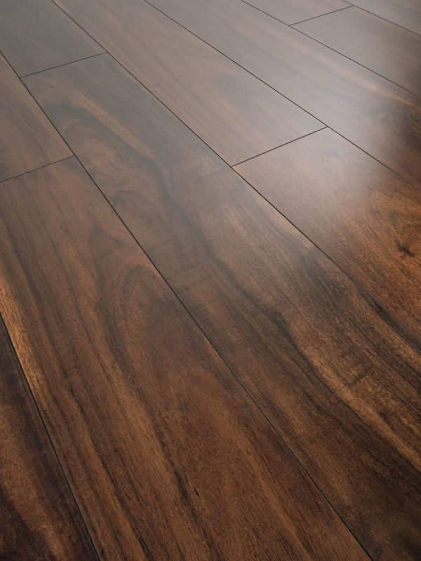 Parchet laminat rezistent la apa Swiss Krono Aquastop Majestetic Walnut D 4938 MULTICOLOR
