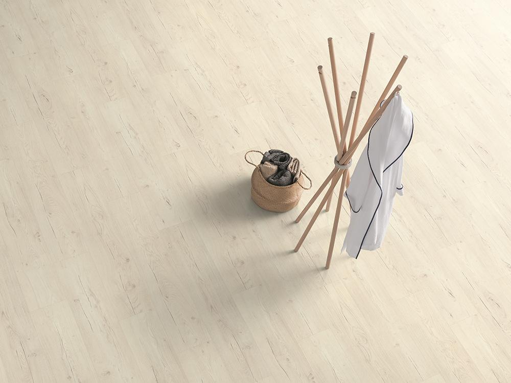 Parchet Egger Pro Design GreenTec cu izolatie fonica EPD006N Stejar Preston alb poza noua